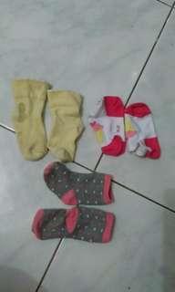 3 pasang kaos kaki bayi murah