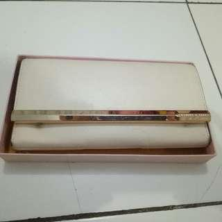 Dompet charles and keith white