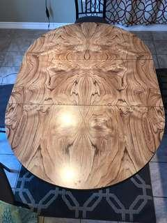 Oval/Round dining table
