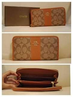Gucci coach prada wallet