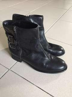 Authentic Nine West Black Ankle Leather Boots