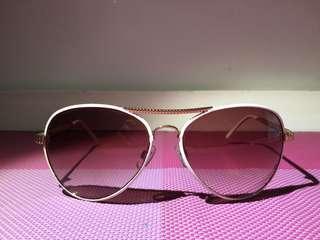 Accessorize sun glasses/ sunnies
