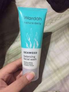 Preloved- facial wash wardah nature daily