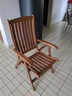 Solid wooden folding chair