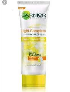 GARNIER LIGHT COMPLETE FACIAL WASH