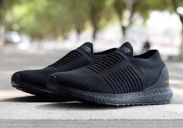 5d48db2745444 Adidas Ultraboost Laceless Triple Black