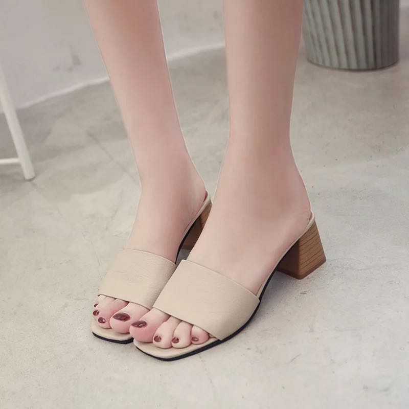 5449ccd0ba8e BNIB Beige Sandals Mule Heels PRICE NOT NEGOTIABLE