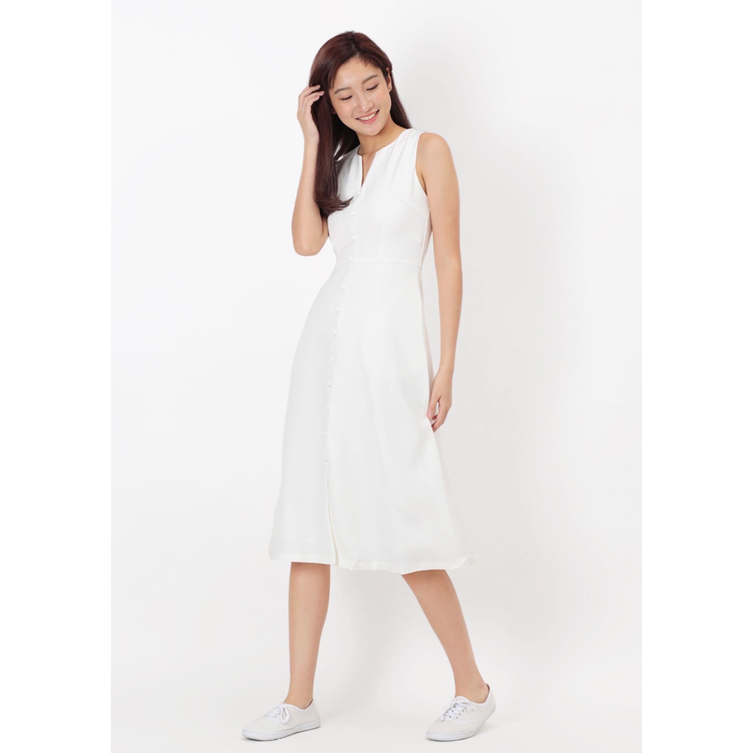 73691a774ded21 BNWT AFA Lillie Button Midi Dress in White (Size XS), Women's ...