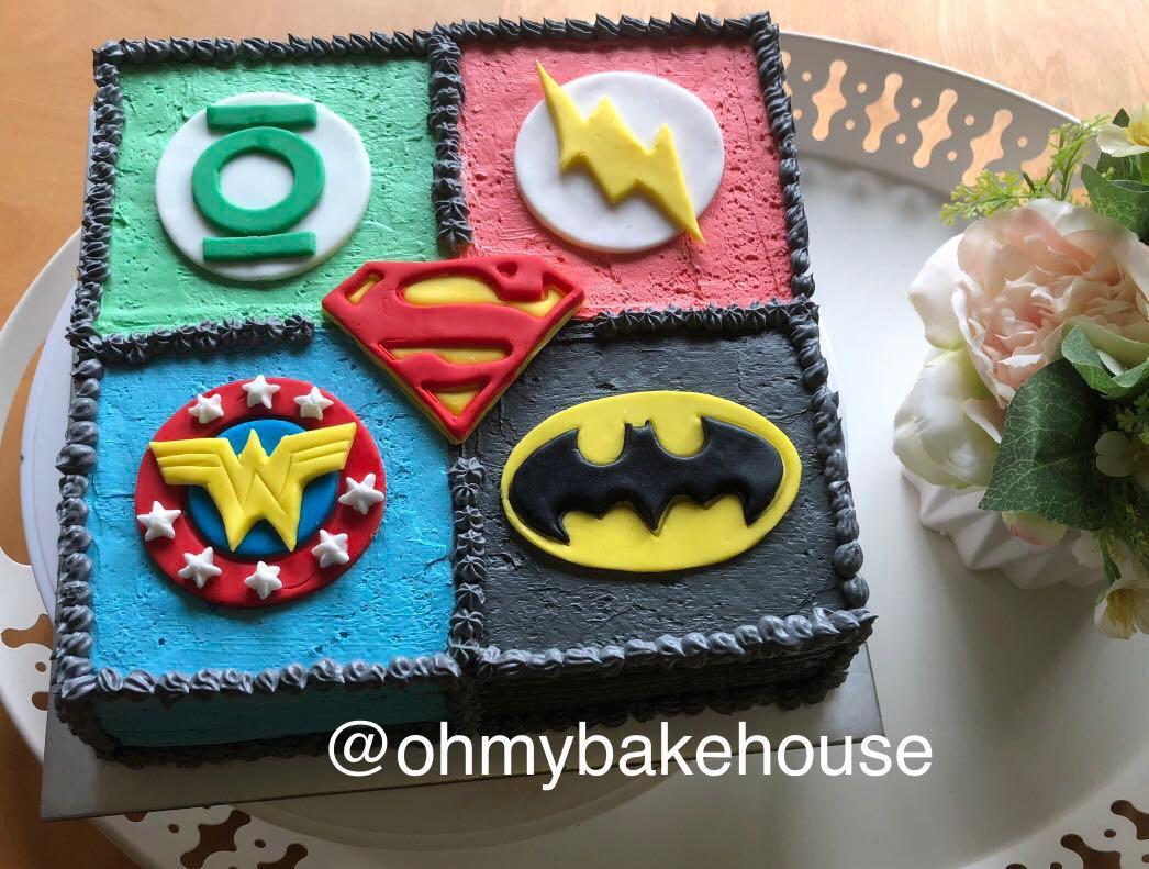 Halal) DC Superhero Cake, Food & Drinks, Baked Goods on Carousell
