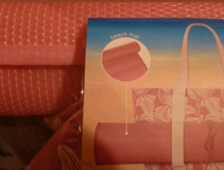 Natio Beach Mat & Bag with Cooler Compartment. New