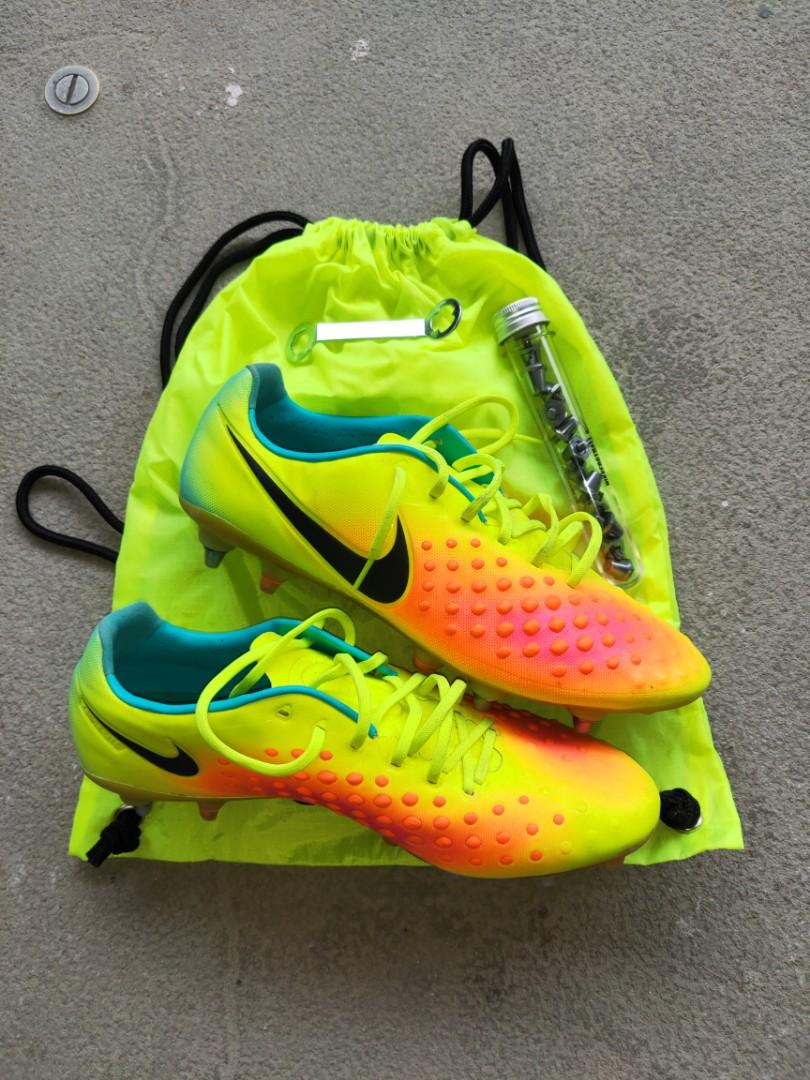 f293670a2ebe Nike Magista Opus