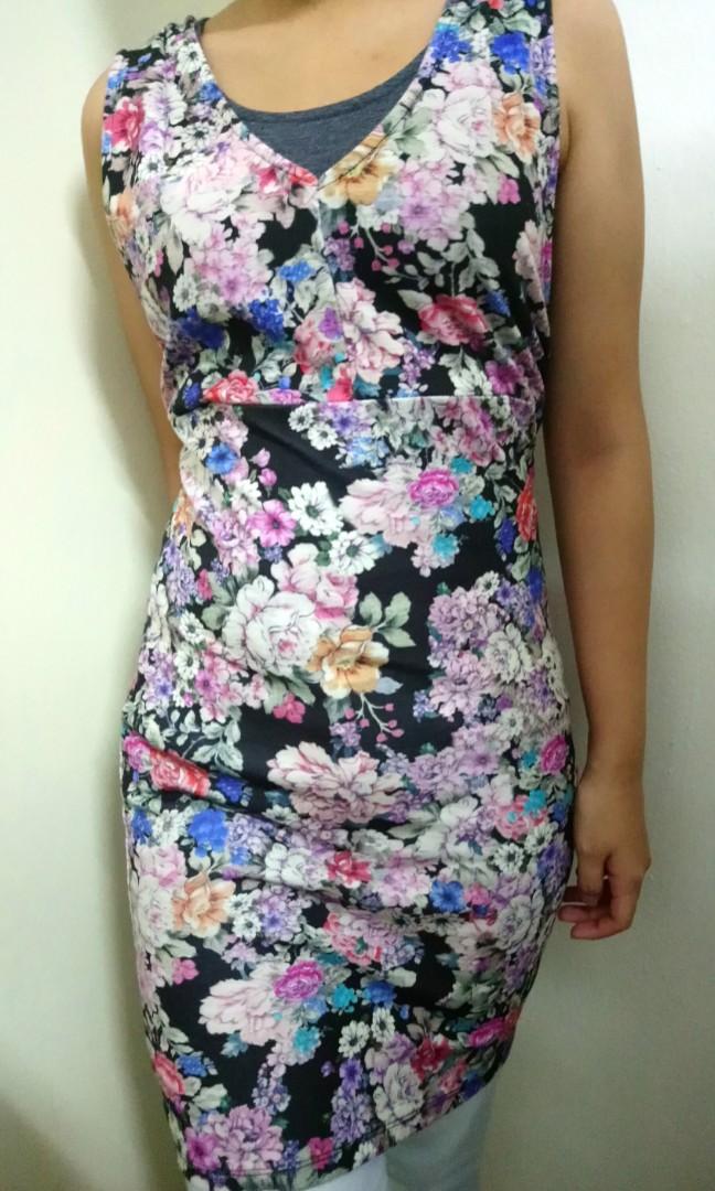 52fe05d8d0 Pull   Bear floral dress (black)