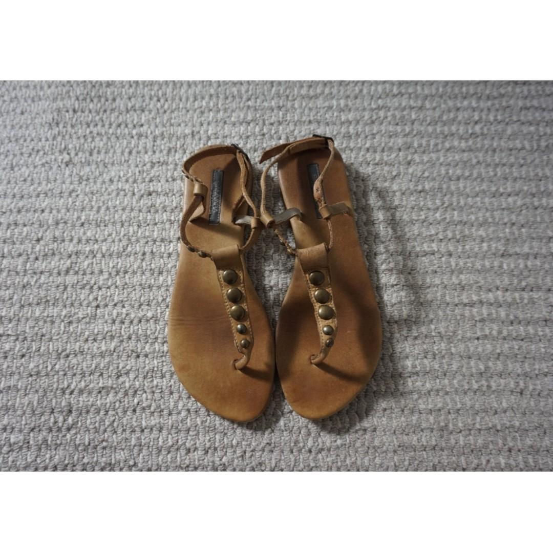 Samvara Light Tan Leather Sandals Size 39 RRP $70.00