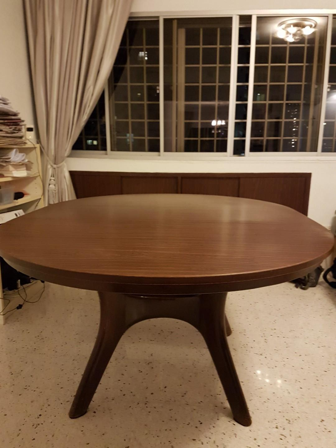 Picture of: Solid Wood Round Extendable Dining Table Furniture Tables Chairs On Carousell
