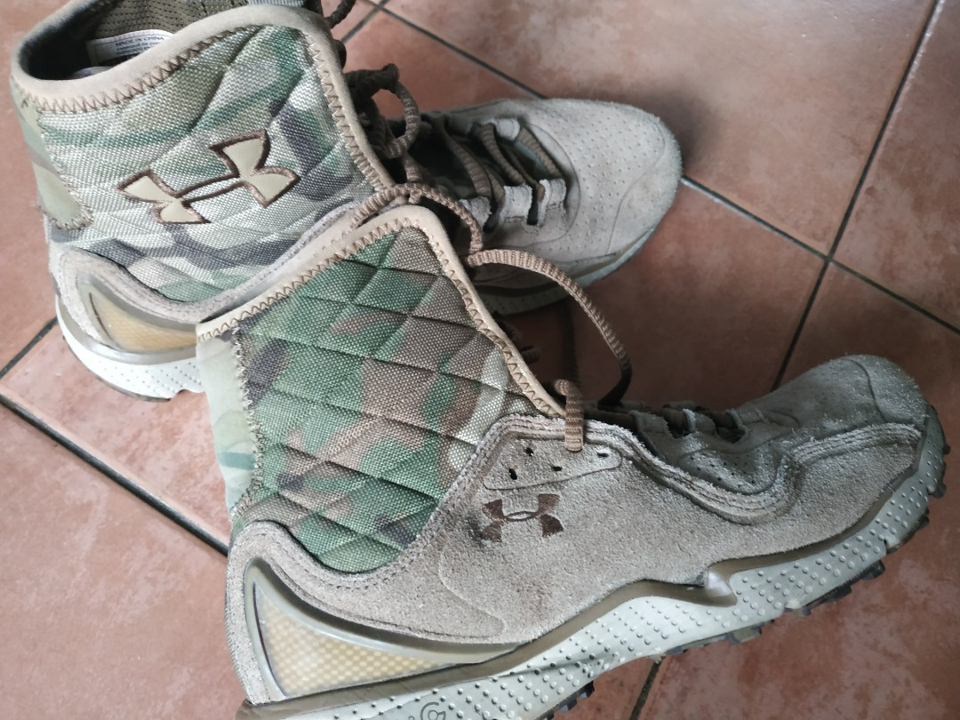 Under Armour Boots 100% original 0391ee8a69