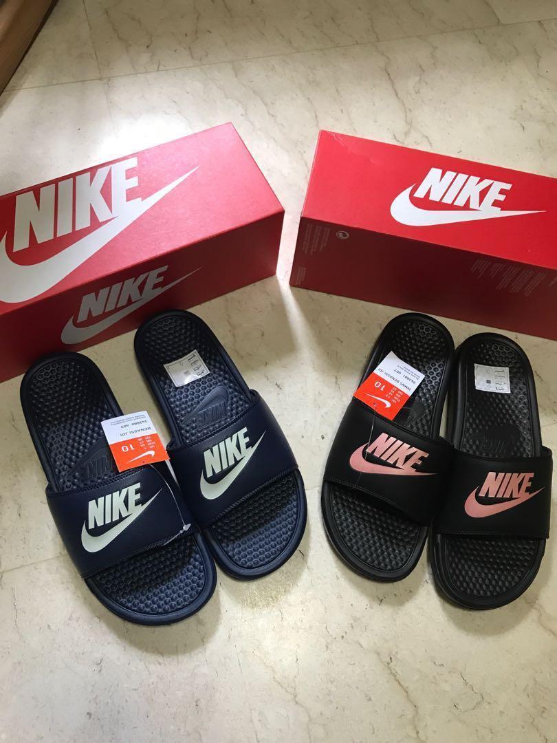 9ffbd2c89ffc US9 Authentic Nike Benassi Slides