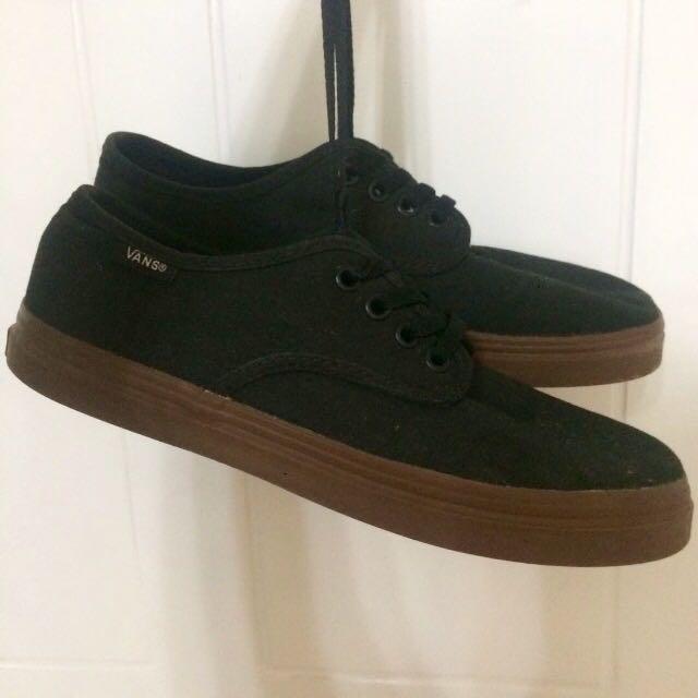 Vans shoes black gum sole, Men's
