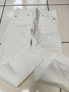 🚚 Lativ 白色九分褲