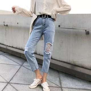 🚚 denim ripped jeans