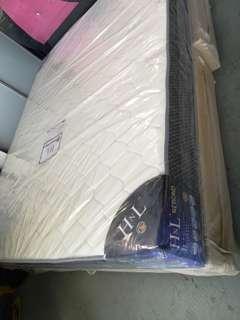 8 inch queen mattress