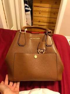 Michael Kors handbag + wallet