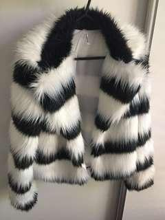 BLACK WHITE FUR COAT SZ8