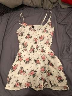 Never worn h & me romper size 4