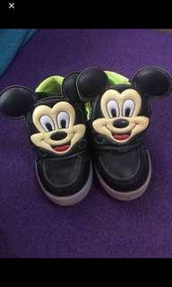 Sepatu mickey import1-2tahun
