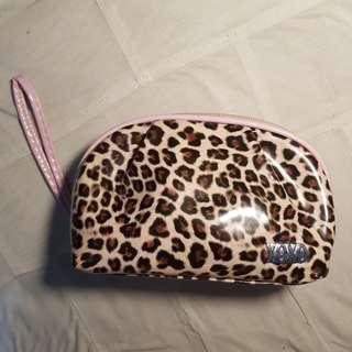 XOXO Leopard print / light pink makeup pouch