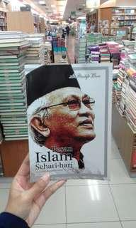 Buku PESAN ISLAM SEHARI-HARI