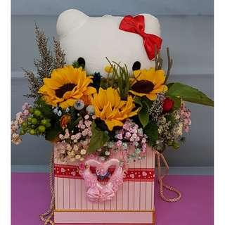 Sun-flower gift box with hello kitty toy