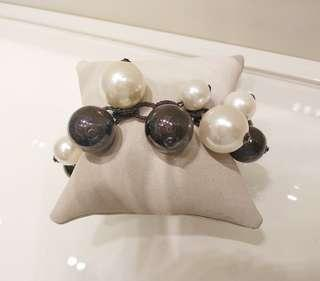 Brown and white pearl bracelet