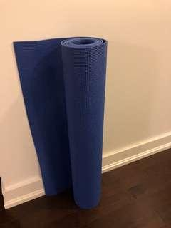 Yoga mat never used
