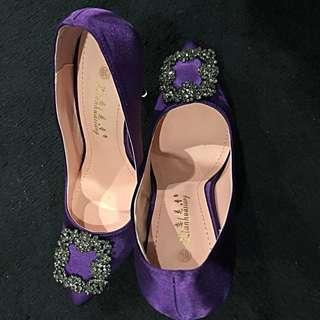 $10 BN Purple Heel