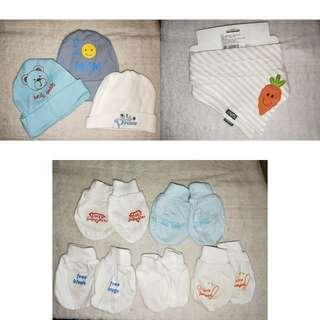 🚚 Baby mittens/hats/bib