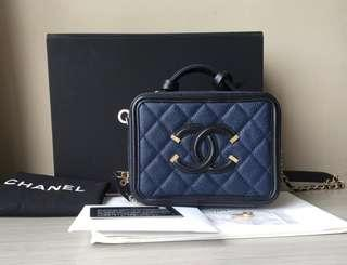 BNIB Chanel Vanity case small navy-black caviar #26  Complete set No rec