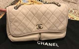Chanel jumbo easy flap beige shw #16 with holo, db, booklet