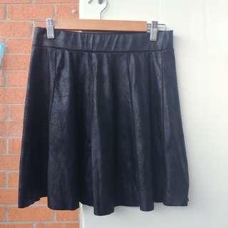 Pull&Bear leather look skater skirt medium