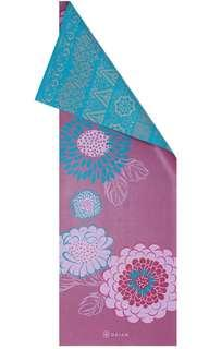 Gaiam Reversible Yoga Mat & Carrier Bag