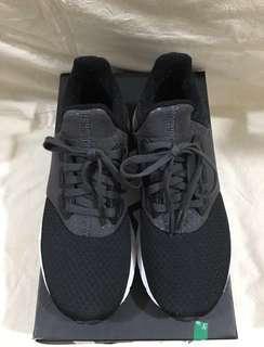 Adidas 黑白波鞋
