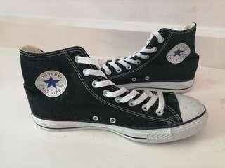 Converse Chuck Taylor All Star Black canvas available in 9 and 8.5