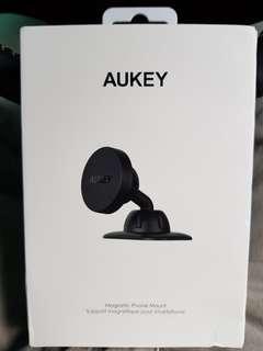 Aukey HD-C13 Magnetic Phone Holder