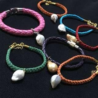 Hand-made bracelet with pearl