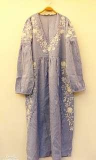 🚚 🚫代售🛇V領刺繡長洋裝