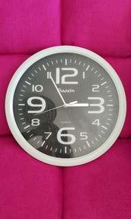 Large Wall Clock with smooth second hand 35.5cm