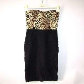 (M) Twenty One body hugging dress, in nice stretch fabrics, bustier, back zipper, with belt hole, with back slit, nice in actual