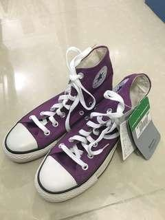 Authentic unisex converse