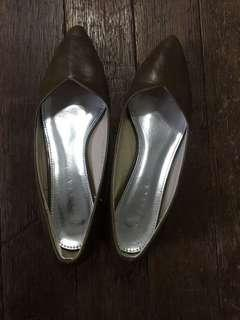 Chelsea pointed shoes