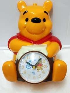 🚚 (小熊維尼系列)全新正版廸士尼Disney小熊維尼鬧鐘 時鐘(附盒有雷標)