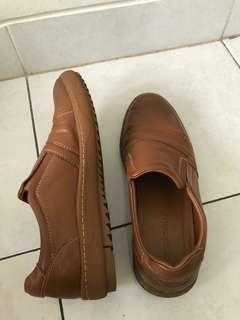 Sepatu cowo Andrew